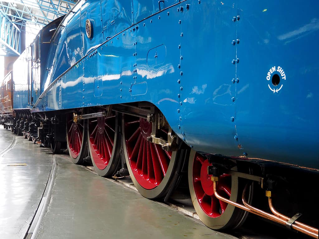Driving wheels and coupling side rods of the London and North Eastern Railway steam locomotive Mallard 4468